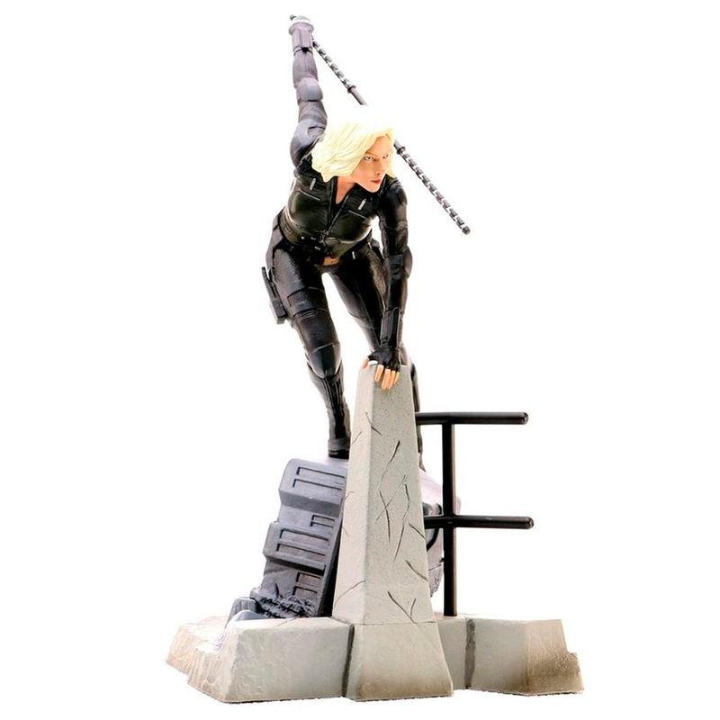 Estatua Viuda Negra...