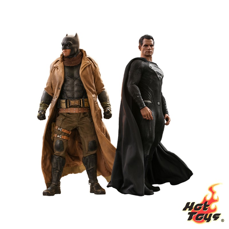 Hot Toys Knightmare Batman...